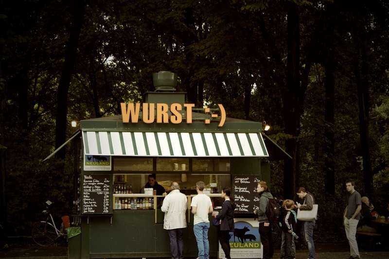 lunch-germany-kiosk-line-large