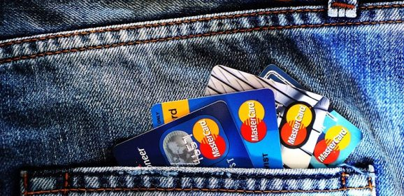 4 Reasons To Use A Debit Card Vs. Credit Card