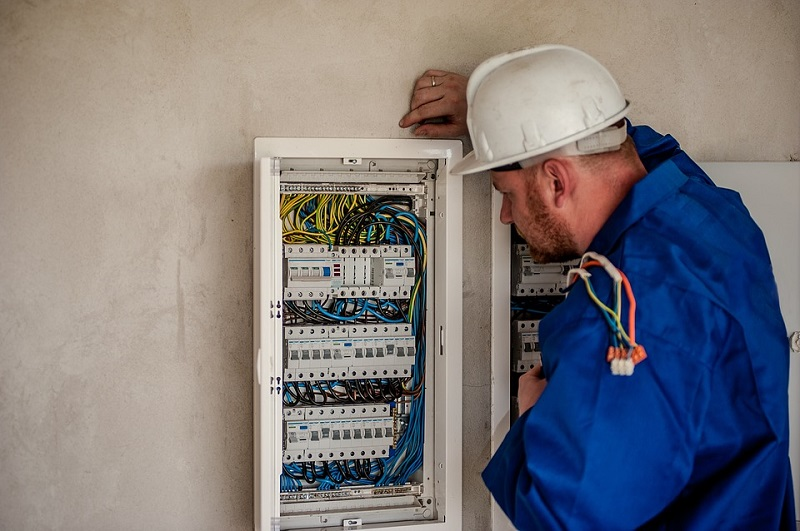 5 Misconceptions About Industrial Electrical Safety