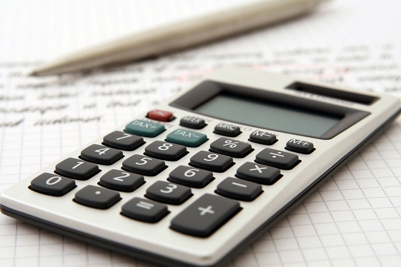 A Head to Head Comparison: Should Companies Hire a Certified Public Accountant or a Bookkeeper?