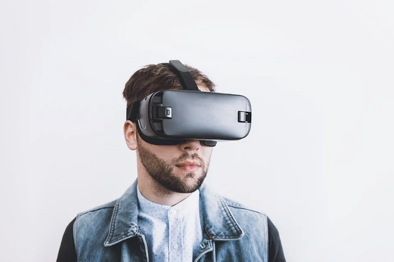 Adding Dimensions to Retail With AR and VR Technology